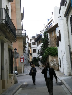 Typical Sitges paved street close to the train station. Check on the beautiful stone house on the right hand sight.