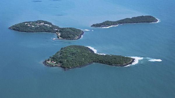 Excursion sur les îles du CNES