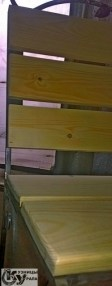 """Кованая скамья (скамейка). Также наша кузница """"Кузницы Урала"""" изготавливает: кованые ворота, калитки, заборы, ограждения, перила, балконы, лестницы, навершия, фонари, скамейки, лавки, столы, козырьки, навесы, флюгеры, дымники, фигуры лазерной резки, декоративные гвозди и другой декор из художественной ковки."""