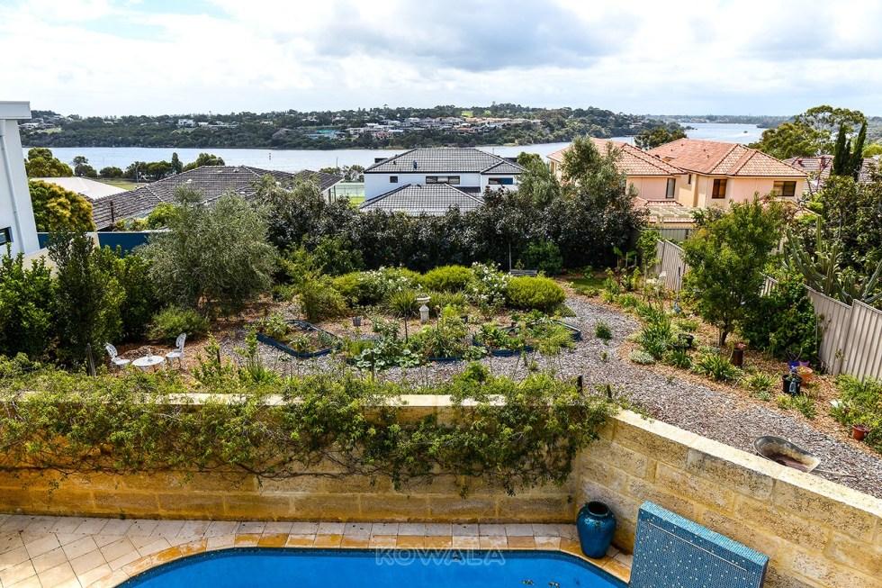 HelpX Freemantle gardening jardinage swan river PVT WHV australie