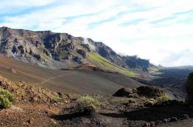 randonnée au cœur du parc national haleakala : vue sur des cratères
