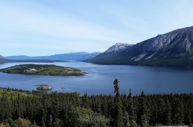 lac canadien au Yukon