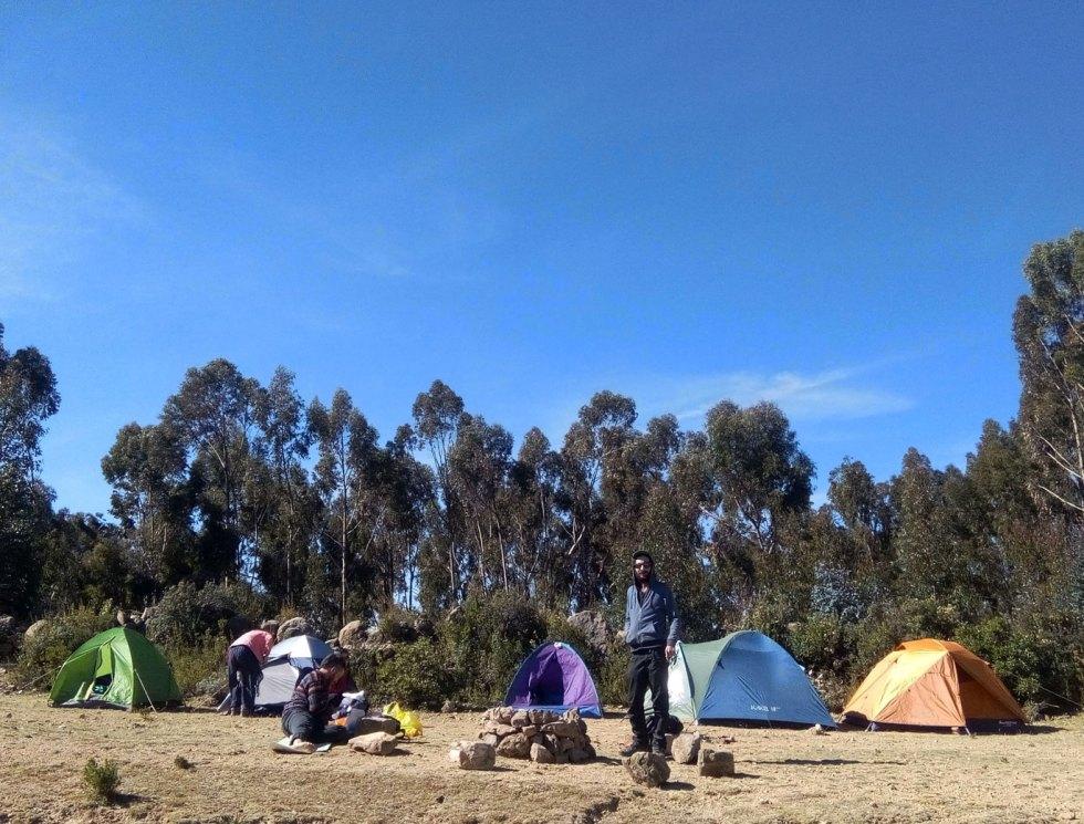 Camping sur la isla del sol en Bolivie
