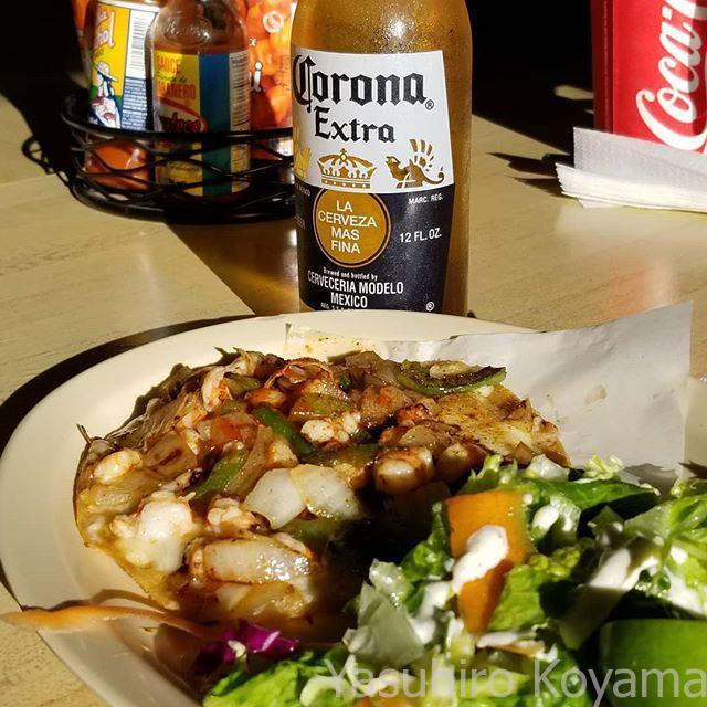 遅い昼食をメキシカンで。