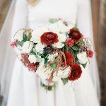ramo de flores de novia para boda invierno