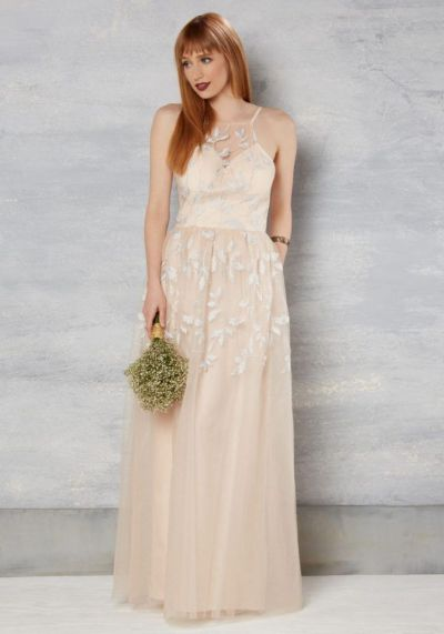 Vestido de novia en tono melocotón de Enchants Encounter por 156 euros