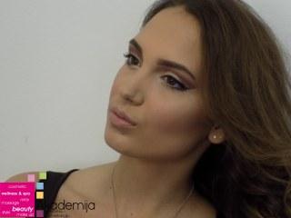 BUDUĆE FINALISTKINJE MISS SRBIJE – šminka i frizura studenti prve godine smera Makeup artist