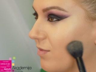 Kako se šminka lice