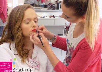 Kako uraditi lifting lica šminkom