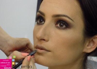 KAKO NAŠMINKATI OČI – sa nastave na kursu Tehnike šminkanja lica