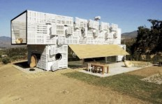 chilean-architects-modern-recycled-eco-house-3