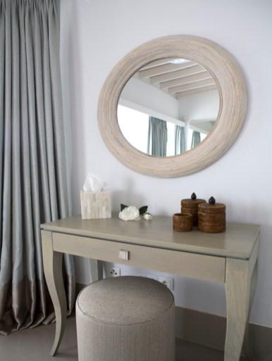10-luxury-villa-in-a-contemporary-neutral-scheme