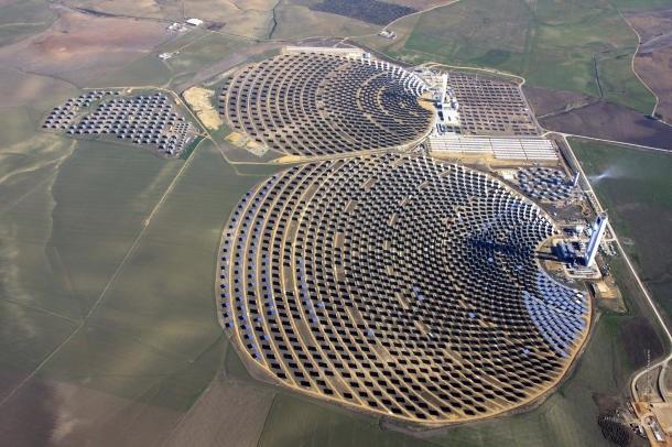a világ legnagyobb naperőműve11