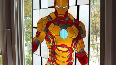 Photo of Színes és dekoratív üvegpanelek játékhős mintával