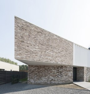 exterior-House-K-by-GRAUX-BAEYENS-Architecten