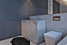 the-bathroom-Rocky-House