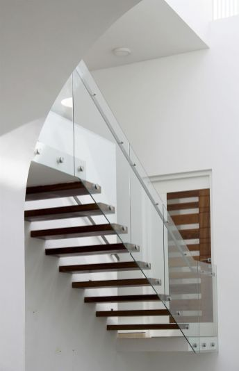 runningwallresidenceLIJO-RENY-Architects.jpg11