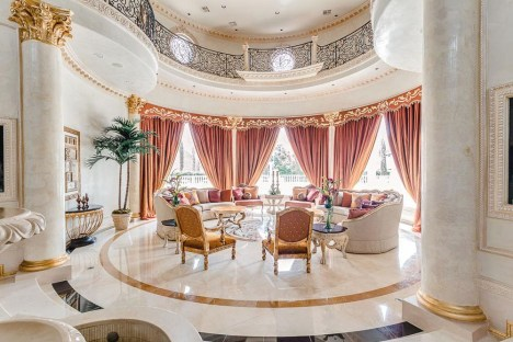 Luxury-Palm-Royale-property-for-sale-11