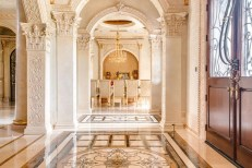 Luxury-Palm-Royale-property-for-sale-3