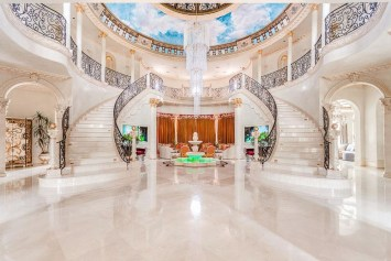 Luxury-Palm-Royale-property-for-sale-5