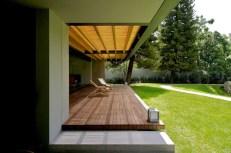 indoor-outdoor-zones-accentuated-vertical-gardens-11-terrace-thumb-630xauto-44194