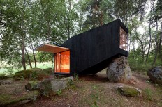 cute-cabin-deep-forest-shelter-elements-1-exterior-thumb-630xauto-45261