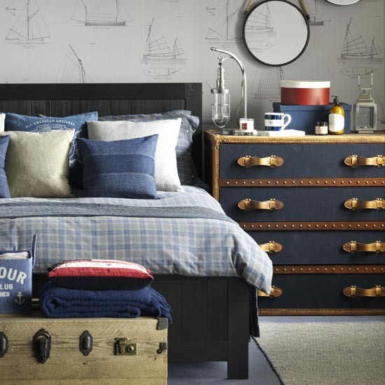 Nautical-look-teenage-boys-room-ideal-home-housetohome.co.uk