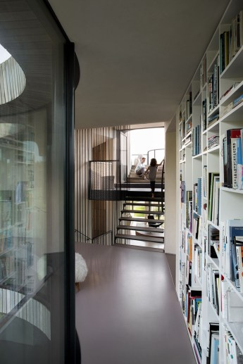 W.I.N.D.-House-in-Holland-by-UNstudio-8