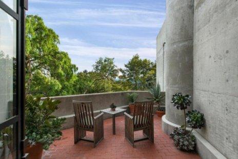 steve-martins-balcony-969ad4-1024x682
