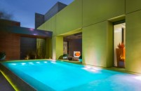 bright-desert-pool-design-600x389