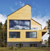 Malbaie-VIII-Residence-by-MU-Architecture-1