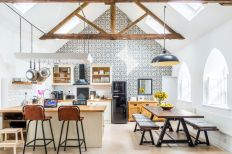 The-Chapel-holiday-cottage-dining-room-and-kitchen