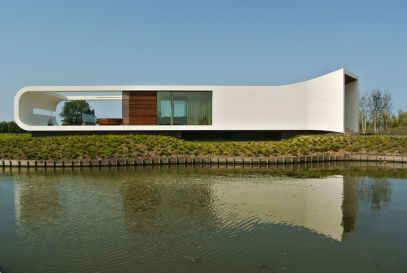 Villa-New-Water-by-Waterstudio.NL-closed-off-end
