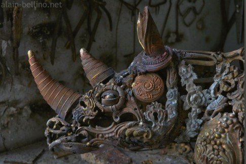 steampunk-rhino-sculpture-600x400