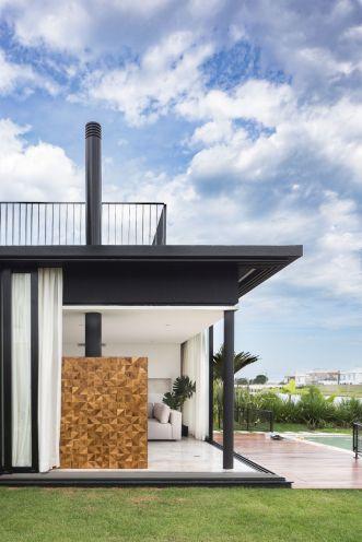 Enseada-House-in-Brazil-ground-floor-living