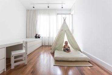 Enseada-House-in-Brazil-kid-bedroom