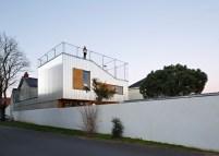 2-corrugated-aluminium-facade-1930s-home-extension