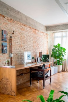 2-exposed-structural-elements-apartment-renovation