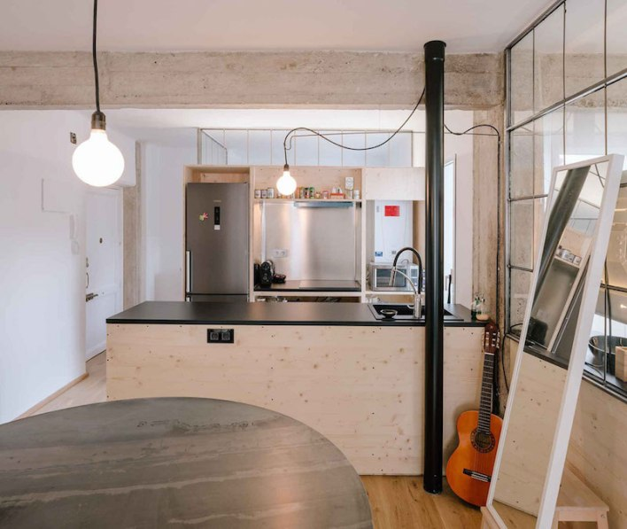 Madrid-apartment-with-no-solid-walls-kitchen-island