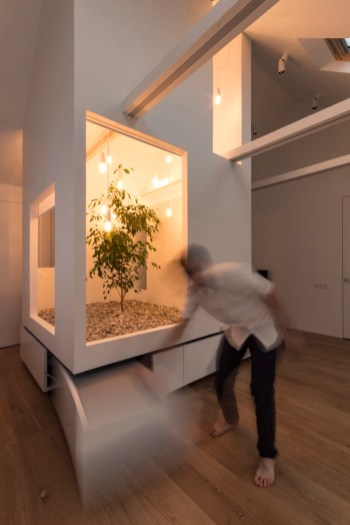 Ruetemple-modular-house-pull-out-seat