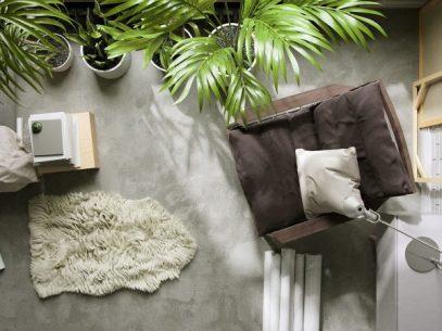 mushroom-and-wood-comfy-corner-chair-600x450