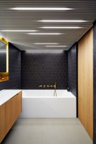 Black-brass-and-wood-bath