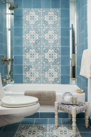 Small-bathroom-with-Moroccan-flair-900x1351