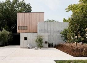 Concrete-Box-House-with-tiny-windows