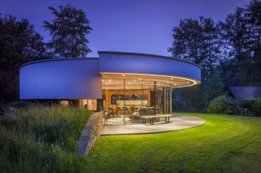 Modern-villa-with-360-degree-views