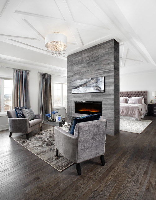 Expansive-Bedroom-with-fireplace-like-divider