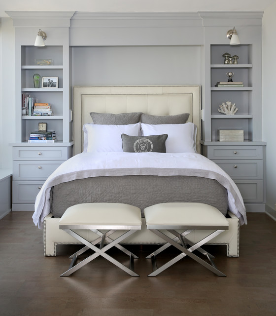 Transitional-bedroom-with-focal-point