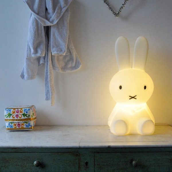 bunny-with-cross-mouth-bedroom-night-light-600x600