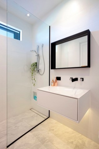 Black-frame-shower-glass-and-lower-niche