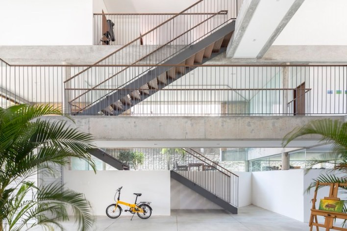 KS-Residence-features-a-large-circulation-area